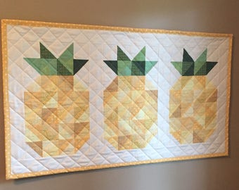 A Pineapple Welcome Quilt Pattern - PDF Quilt Pattern - Beginner Quilt Pattern - Pineapple Pattern - Easy Quilt Pattern - Wall Hanging