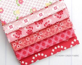 Granny Chic Pink Fat Quarter Bundle - Lori Holt - Riley Blake Designs - Fabric Precuts - Fabric Fat Quarters - 6 pieces
