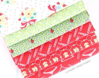Vintage Happy 2 Red & Green Fat Quarter Bundle - Lori Holt