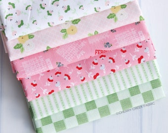 Date Night Pink & Green Fat Quarter Bundle - Fabric Mutt - Riley Blake Designs - Floral Fabric - Flower Fabric - 6 pieces