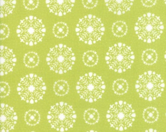 Vintage Holiday Flannel - Green Snowflakes Flannel Fabric - Bonnie & Camille - Sold by the Yard