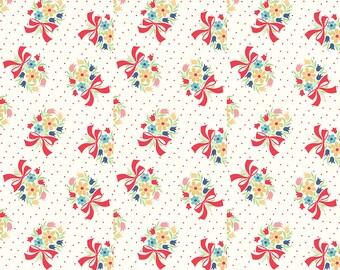 White Vintage Bouquet Fabric - Vintage Happy 2 - Lori Holt