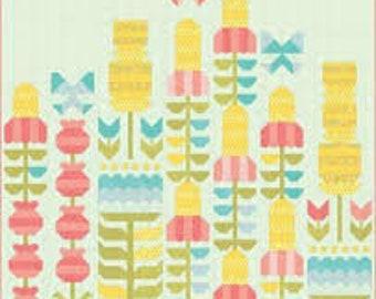 Quilt Pattern - Flowers A Bloom Quilt Pattern - Stacy Iest Hsu - Moda Fabrics - Intermediate Quilt Pattern