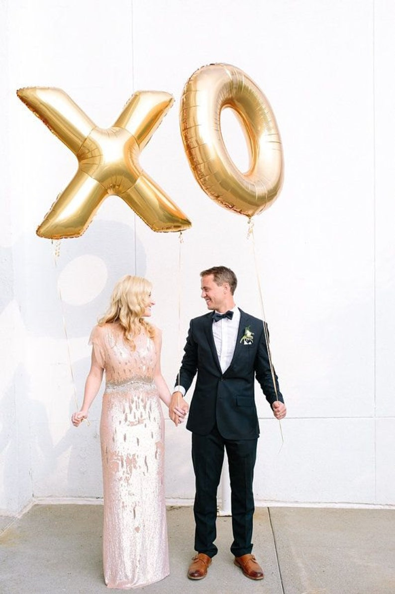 Giant XO Balloons   40 Inch Gold Mylar Balloons in image 1