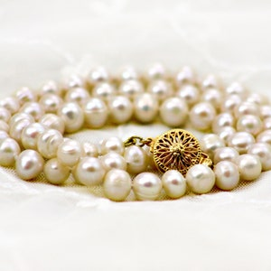 Vintage style pearl Necklace Large Pearl Necklace Pearl Necklace Pearl Choker Necklace Freshwater Pearl Necklace Pearl Strand Necklace