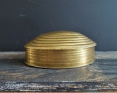 Brass Seashell Trinket Box Lidded Clam Shell Nautical Treasury Chest Coastal Decor Vintage Container Hinged Box Beach Cottage Gold Color