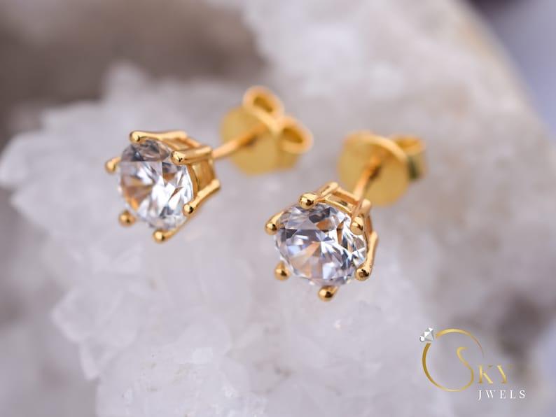 Bridal Earrings Round Studs 1.7 ct Gold 6 Prong Earrings Gold Earrings,6 Prong Studs,Wedding Stud Earrings,Man Made Diamond Simulants