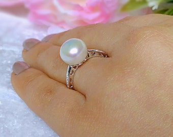 Sterling silver pearl ring, pearl ring, white pearl ring, freshwater pearl ring, silver pearl ring, engagement pearl ring, pearl jewellery