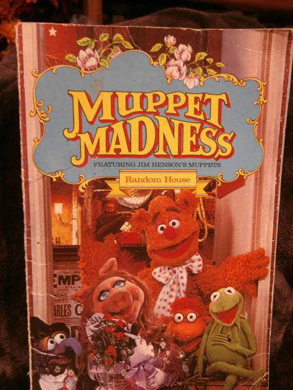 Muppet Madness Book, comic of the Muppet puppets, stories, comics,Fozzy, Random House, Jim Hensons Muppets, Kermit the frog, Miss Piggy