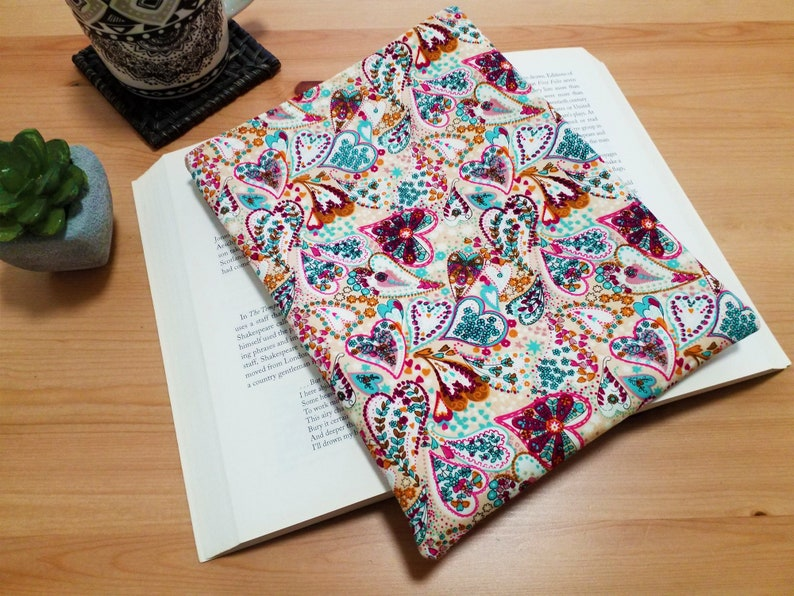 Book Sleeve Patchwork Hearts Fabric Padded Book Protector image 0