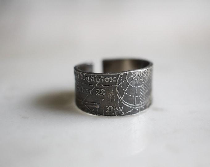 Globe Ring, Size 8 1/2
