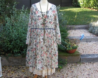 Dress in printed cotton floral, romantic and shabby chic