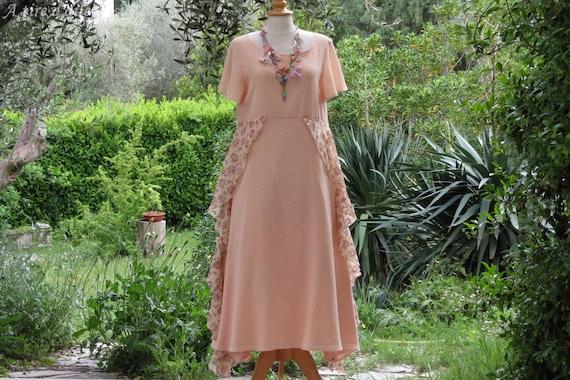 Robe longue écrue cache cœur imprime fleuri rose saumoné