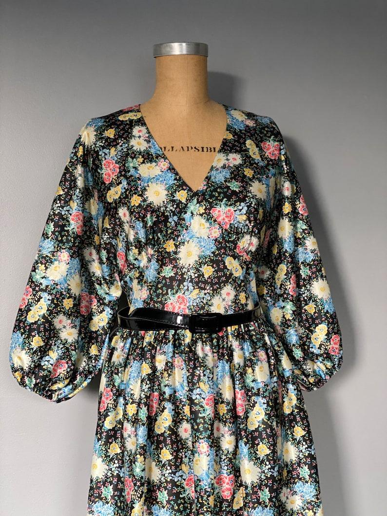 Vintage 1970/'s \u201cGay Lady\u201d Floral Balloon Sleeve Dress with Black belt