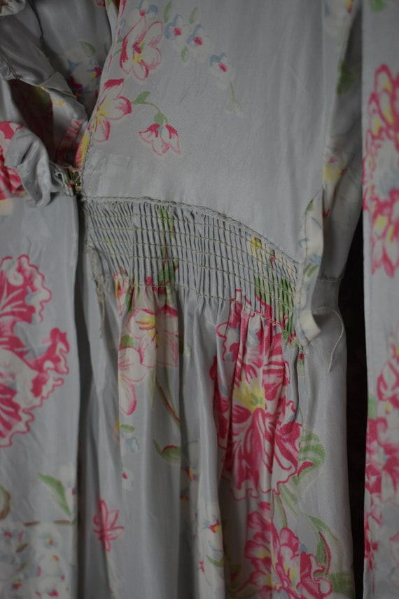 1940's Satin Floral Robe - image 4