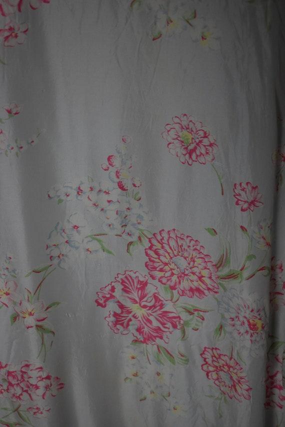 1940's Satin Floral Robe - image 7
