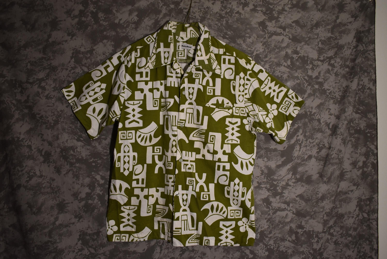 1970s Mens Shirt Styles – Vintage 70s Shirts for Guys Mens 1960s Or 1970s Hawaiian Shirt $5.95 AT vintagedancer.com