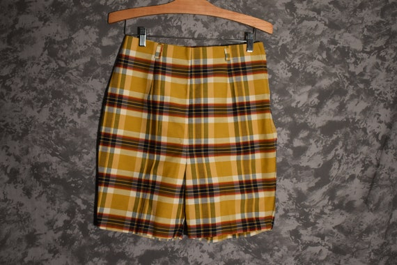 1960's Yellow Plaid Shorts (High Waisted)