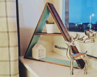 Medium triangle shelf/mirror