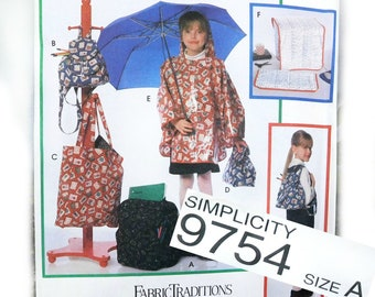poncho pattern sewing- lunch bag pattern -tote bag pattern -back pack pattern - craft sewing pattern -Simplicity 9754 pattern -  # 7