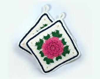 vintage handmade  crochet potholder ,kitchen potholder ,Vintage potholders  , Crochet hot pads , handmade pot holder ,  # 5