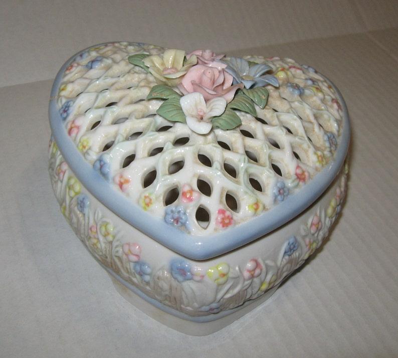 Vintage White Pottery Lattice Work Basket Dish Floral Decor....spain Less Expensive Continental