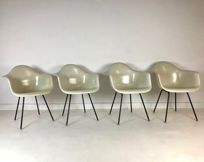Mid Century Modern Set of 4 ORIGINAL Vintage HERMAN MILLER Shell Chairs