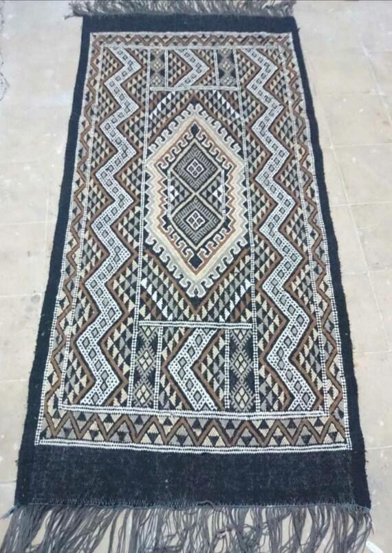 tapis marron blanc noir Kilim, tapis kilim, tapis fait à la main ...