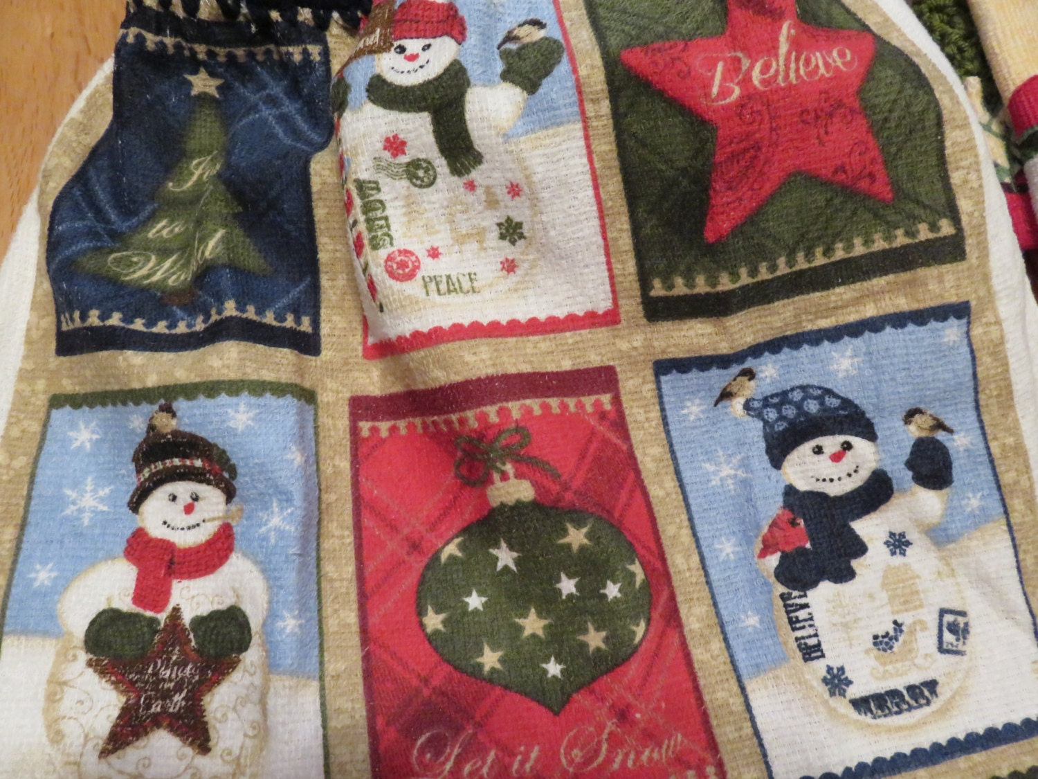 Christmas,Medley,Towel,Crocheted,Top,Kitchen,Housewares,towel,kitchen_towel,kitchen_linen,for_your_home,crocheted_top_towel,crocheted_topper,tablelinen,table_linen,Christmas_medley,christmas_towel,Christmas_tree,Christmas_linens,terry cloth,yarn,button
