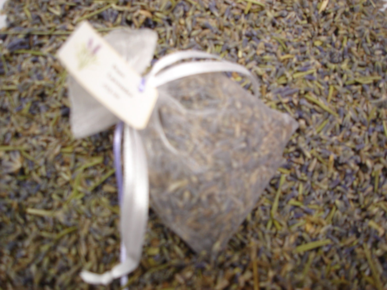 Lavender,Sachets,Favors,Wedding,Shower,Bridal,Gifts,Bulk,Packs,Bath_And_Beauty,lavender,sachet,gift,wedding,for_your_home,for_your_home_shop,herbs,herb,lavender_tea,bridal_shower,favors,thank_you_gift,wedding_favor,lavender buds,fabric