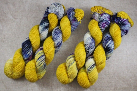 Hand Dyed Ultimate Sock Yarn, BFL High Twist, Micro Self Striping Yarn - Lantern