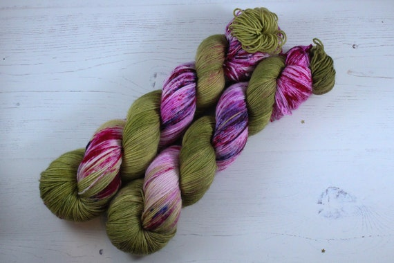 Hand Dyed Sock Yarn, SW Merino Nylon, Micro Self Striping Yarn - Poison Ivy