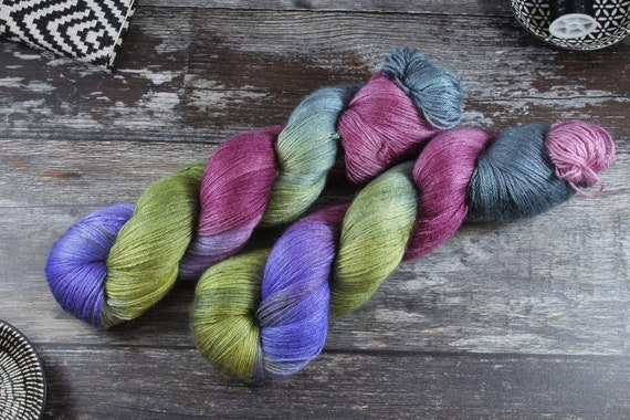 Hand Dyed Sock Yarn, 4ply, Plus Size Skein, 150g/600m, BFL and Silk - Capulet