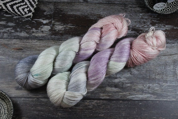 Hand Dyed Sock Yarn, 4ply, Plus Size Skein, 150g/600m, BFL and Silk - Lovehearts