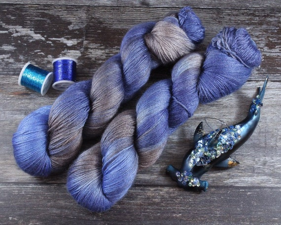 Hand Dyed Sock Yarn, 4ply, Plus Size Skein, 150g/600m, BFL and Silk - Into The River Below