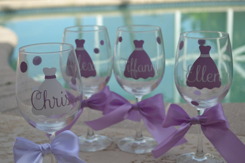 Maid of Honor gift Personalized Maid of Honor wine glass,Bridal Wine Glass,Engagement glass,Cute engagement gift Wedding party wine glass