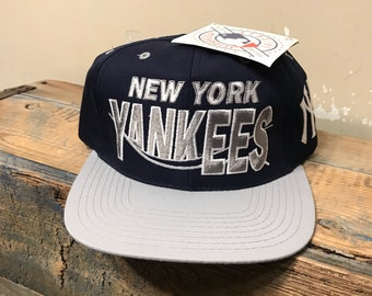 Vintage New York Yankees hat    deadstock NOS    The G Cap    new old stock  rare two tone    blockhead    spell out    snapback cap 9f118c32f4e2