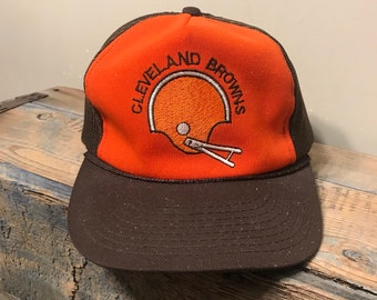 Vintage Cleveland browns trucker hat // two tone // 70s 80s retro dawg pound // mesh rope cap // faded distressed thrashed old cap