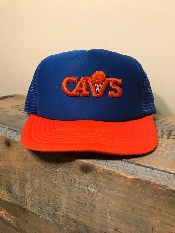 new style c661e 9fe34 Vintage Cleveland Cavaliers snapback hat    Vintage mesh   Etsy