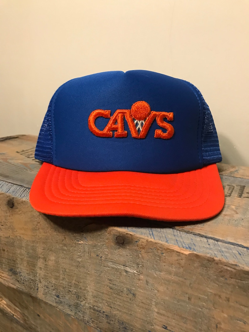 09f6d1e5021 Vintage Cleveland Cavaliers snapback hat    Vintage mesh