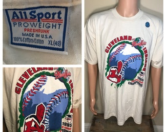 Vintage Cleveland Indians shirt // Chief wahoo // big logo // adult size XL // 1995 world series off white egg shell // rare retro
