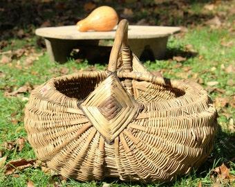 Wicker Basket - Large Woven Basket - Storage Basket - Rustic Basket - Rustic Wedding Decor - Round Vintage Basket - Handmade Basket