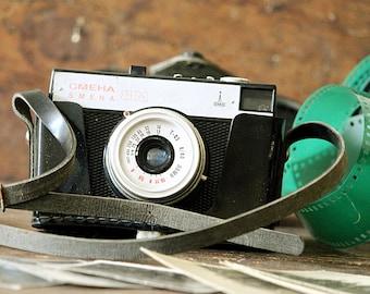 Smena Vintage Camera - Film Camera - Soviet Old Camera - Russian Film Camera Original Case - Viewfinder Camera - Vintage Electronics