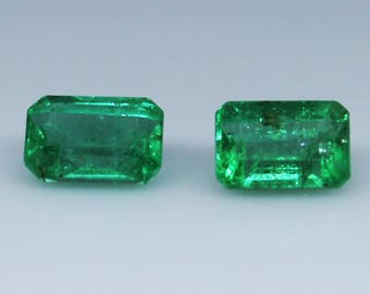 341e72998 1.35 TCW Pair of Colombian Emeralds (6x4)