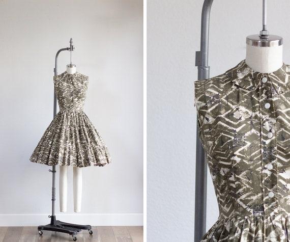 Vintage Full Skirt Shirtdress . 1950s Atomic Dress