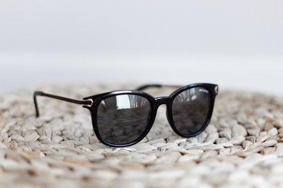 Black Sunglasses . Retro Womens Sunglasses . Vinta