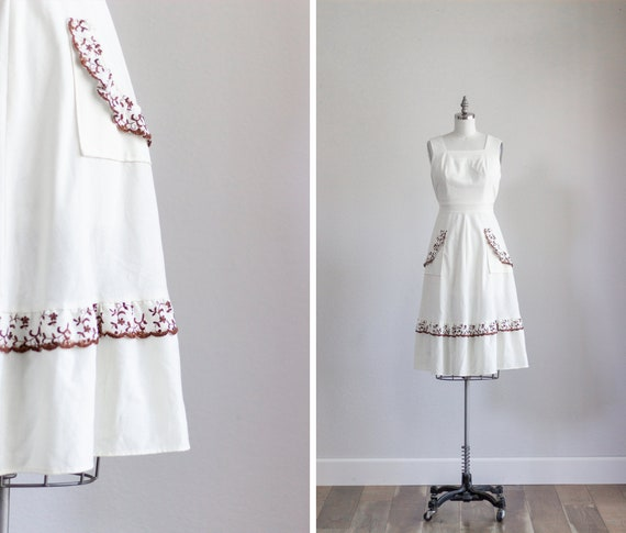 1960s Day Dress . Floral Linen Dress with Pockets