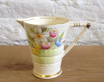 Vintage Phoenix Ware  T. F. & S. L. -  Bouquet Water Jug. Very Stylish Jug with Tulips and Daffodils In Good Used Condition.