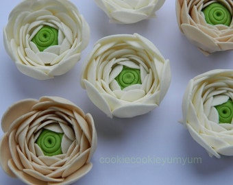 12 edible 3D Ranunculus Cabbage Rose cake cupcake toppers decorations party wedding anniversary birthday engagement sugar flowers