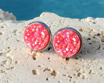 Tiki Punch Stud Earrings 12mm